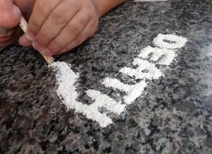 ea3cb7082df41c3e81584d04ee44408be273e7d31ab2144291f6_640_drogen