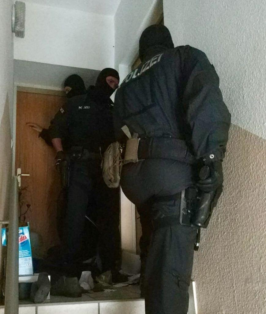SEK Polizei-Razzia