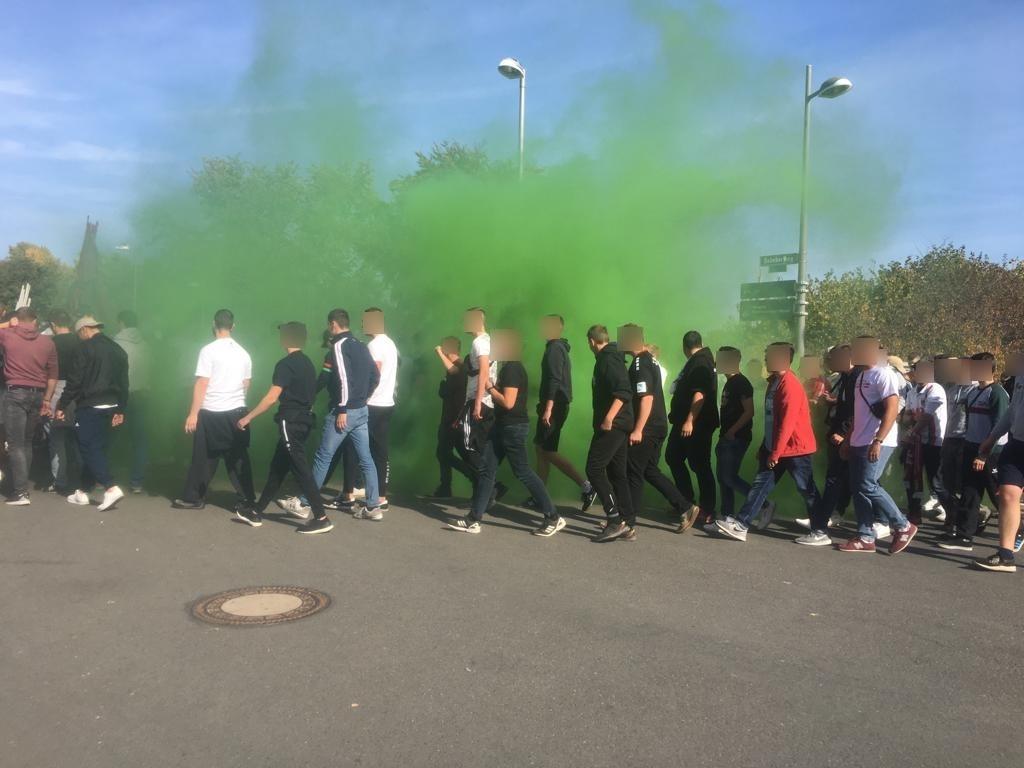 Dortmund Zündung eines Rauchtopfs Foto: Bundespolizei