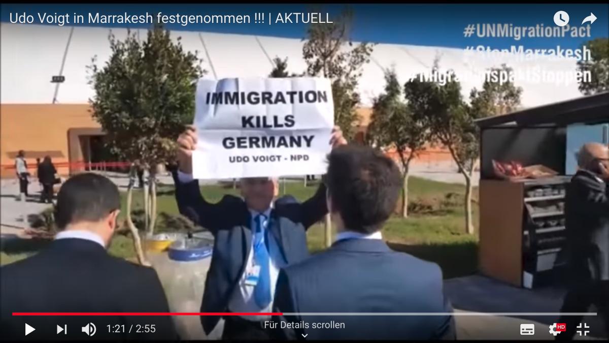 Der Volkslehrer Am 11.12.2018 veröffentlicht Der tapfere Kämpfer für Deutschland - Udo Voigt - wurde in Marrakesh vorübergehend festgenommen, als er gegen den Migrationspakt demonstrierte. Damit war er der erste, der nach Unterzeichnung des Paktes für Kritik an Zuwanderung bestraft wurde. Doch sehet und höret selbst! #volkslehrer #linksliegenlassen