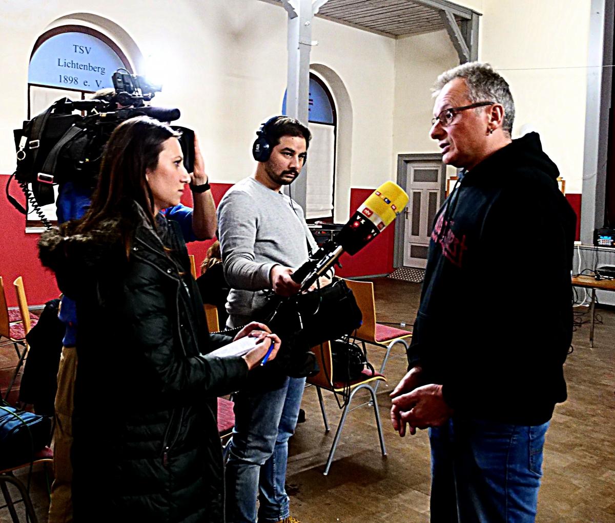 Norbert Rank gibt ein Interview