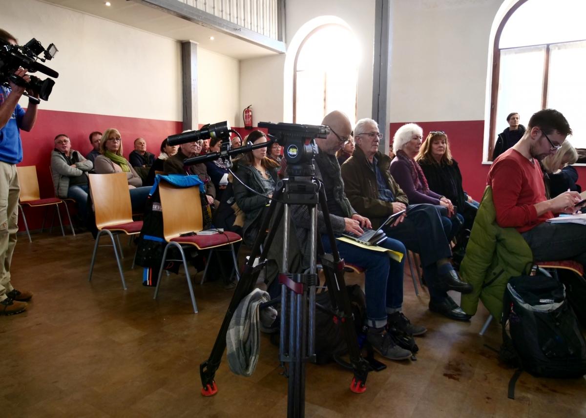 Zuschauer und Presse